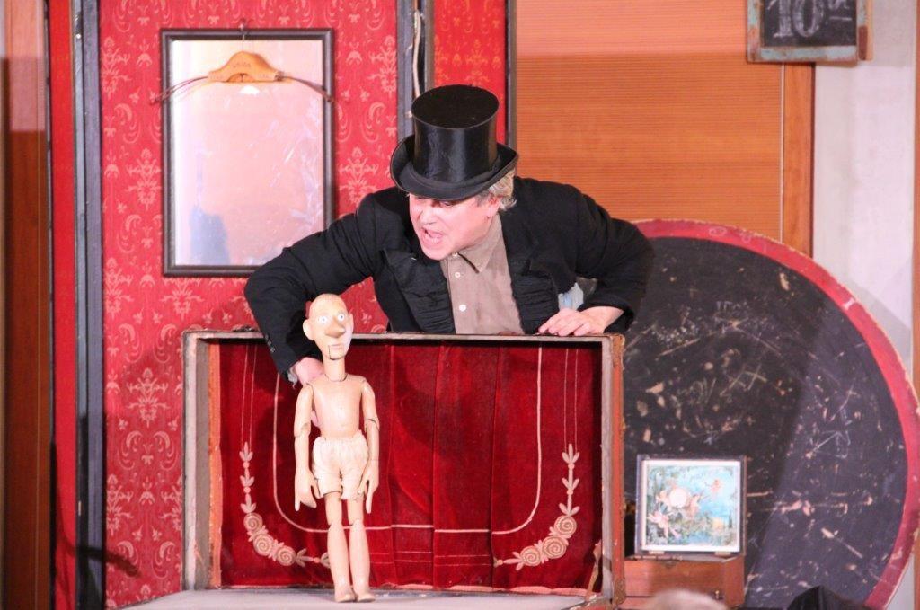 """Gastspiel der Seebühne Hiddensee in der Landesvertretung M-V beim Bund in Berlin mit """"Buon Natale Pinoccio - Italienische Weihnachten"""""""